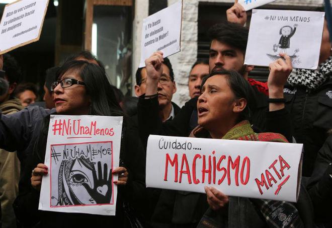 Mulheres protestam na América Central contra feminicídio