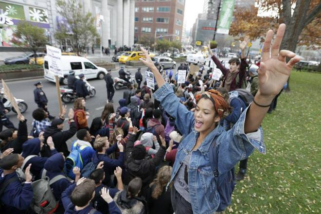 Em Nova York, manifestantes subiram até a região de Times Square durante protesto