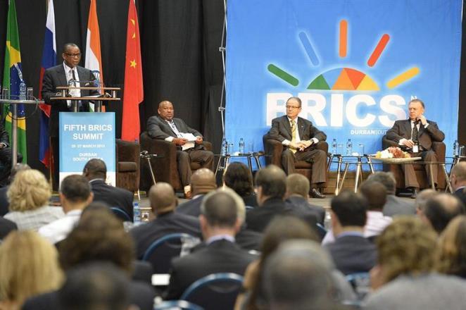 """Cúpula dos BRIC's se reunem para criar NOVO BANCO com objetivo de """"reformar"""" economia mundial"""