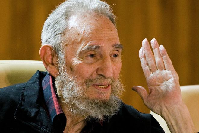 No aniversário de 90 anos de Fidel Castro quem ganha presente é a humanidade. Ouçamos com atenção.
