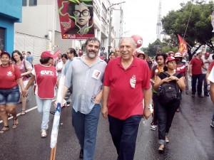 Sindicalista Guto e Jamil Murad (PCdoB)| Foto: Eduardo Nunomura