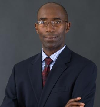 Léonce Ndikumana, autor do artigo e membro da Comissão Independente pela Reforma da Taxação Corporativa Internacional (Foto: Divulgação)