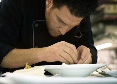A concentração do chef de cozinha. Foto: Eric McGregor / Flickr CC