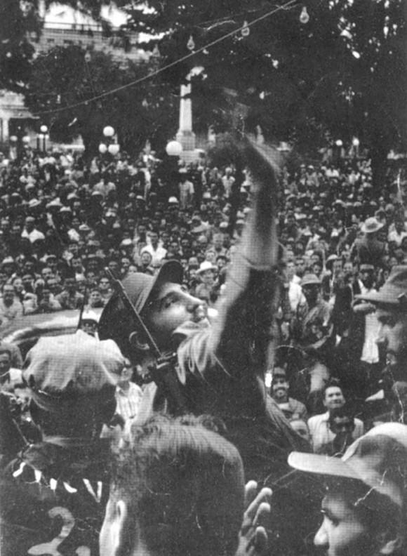 Fidel Castro em Santiago de Cuba, em janeiro de 1959 (Foto: Cubadebate)