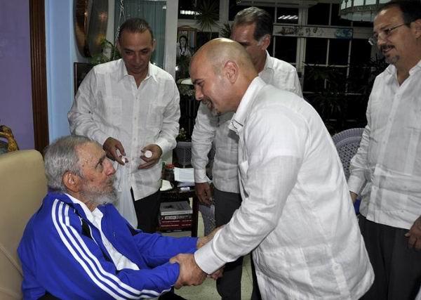 Ecoa pelo mundo encontro de Fidel com os Cinco
