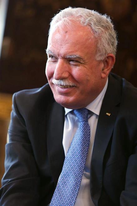 Chanceler palestino, Riad al-Maliki, assinou acordo