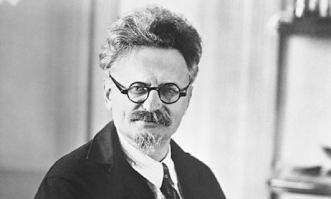 """trotsky stalin Trotsky was more likely to maintain lenin's """"democratic centralism"""" and """"party democracy"""" than stalin the massive purges of the party and ruthless dictatorship would not have been necessary for one of the founding fathers of the soviet state."""