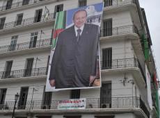 Bouteflika desiste de disputar novo mandato e adia eleições na Argélia