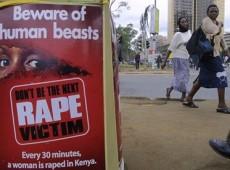 No Quênia, acusados de estupro são condenados a cortar grama de posto policial
