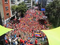 John Pilger: Guerra contra a Venezuela foi construída com as mentiras que a mídia espalhou