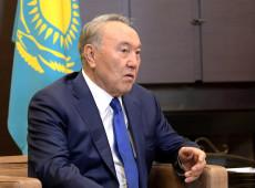 Presidente do Cazaquistão renuncia após 30 anos no poder