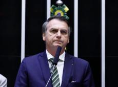 'Se está sendo criticado, sinal de que é adequado', diz Bolsonaro sobre Eduardo em Washington