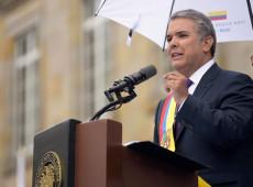 Iván Duque toma posse na Colômbia e fala em mudar acordo de paz com FARC