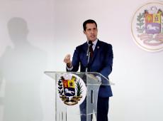 Direita da Venezuela pede impeachment do autoproclamado presidente Guaidó
