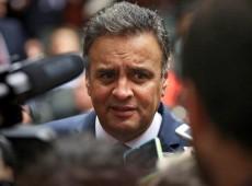Em Portugal, Aécio diz que eventual saída de Dilma abre 'transição' para parlamentarismo