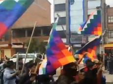 Em meio a 'vácuo de poder', cresce resistência ao golpe na Bolívia