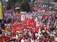 Venezuelanos vão às ruas para celebrar 62 anos da derrubada do ditador Pérez Jiménez