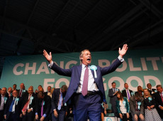 Reino Unido: Partido do Brexit fica em 1º nas eleições para Parlamento Europeu; Conservadores desabam