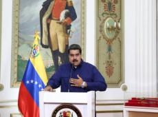 Maduro anuncia reestruturação de gabinete e pede que ministros entreguem cargos