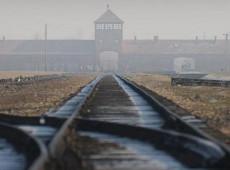 Museu de Auschwitz pede a visitantes que não andem sobre os trilhos