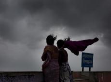 Passagem do ciclone Fani deixa mortos no leste da Índia