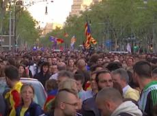 Após terceira noite de violência, presidente catalão sugere novo referendo