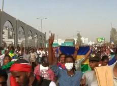 Número de mortos em repressão no Sudão chega a 100