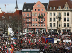 Milhares de alemães saem às ruas contra a extrema direita