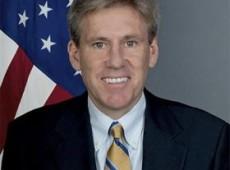 Embaixador norte-americano na Líbia é morto em ataque a consulado