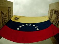 Rússia diz que vai reagir se EUA tentarem dar golpe de Estado na Venezuela