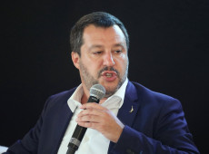 Liderado por Salvini, partido de ultradireita da Itália tenta derrubar premiê e forçar novas eleições