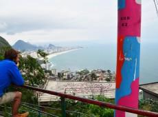 Atraídos por favela pacificada, estrangeiros decidem morar e trabalhar no Vidigal, no RJ