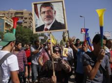 Ex-presidente do Egito Mohamed Mursi morre após deixar tribunal