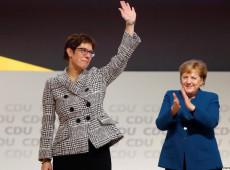 Chefe do partido de Merkel será nova ministra da Defesa