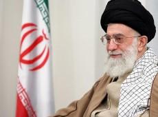 """Líder supremo do Irã afirma que intervenção na Síria é """"catástrofe certa"""""""