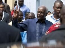 MPLA vence eleição e Santos é reeleito presidente de Angola, diz jornal oficial