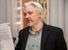 Relator da ONU diz que Assange apresenta sintomas de 'tortura psicológica'