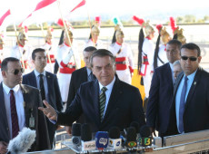 Bolsonaro diz que só aceita dinheiro do G7 se Macron 'retirar insultos'