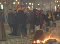 Catalunha: Manifestantes retomam protestos contra condenação de líderes independentistas
