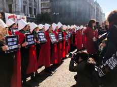 Vigílias, pressões e lenços verdes: Argentina se prepara para votação de descriminalização do aborto no Senado