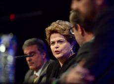 'Se é possível condenar e manter na prisão um líder como Lula, então tudo é possível', diz Dilma