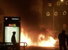 Manifestantes e polícia entram em confronto em mais um dia de protestos na Catalunha