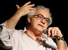 'Tempo sombrio vai ser longo no Brasil', diz escritor Milton Hatoum