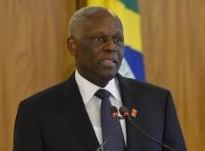Presidente de Angola diz estar 'profundamente consternado' por morte de Fidel