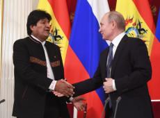 Em encontro na Rússia, Evo e Putin assinam acordo de cooperação energética