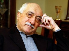 Fethullah Gülen diz que Erdogan planejou golpe 'contra si próprio' na Turquia
