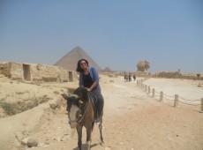 Dois Cairos: egípcios lidam de formas diferentes com toque de recolher
