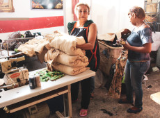 Fábrica recuperada por trabalhadores há 14 anos gera renda para três mil venezuelanos