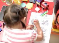 'A missão é não ter lição': mães e pais pedem menos lição de casa para crianças no Chile