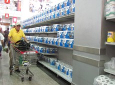 Papel higiênico volta a mercados em Caracas, mas há escassez de shampoos e desodorantes